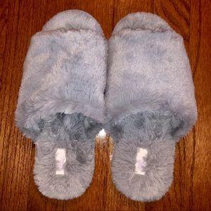 NWOT Fuzzy Grey Slippers